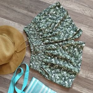 Staring at stars palm leaf print flowy shorts S